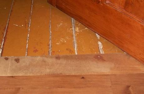 Как и чем выровнять деревянный пол