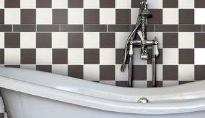 Шахматная укладка плитки в ванной