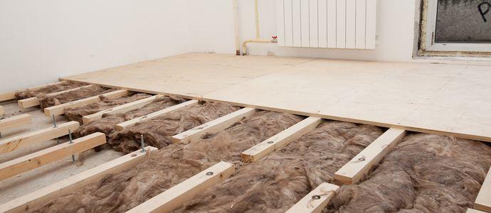 Крепление фанеры к деревянному полу с помощью лаг