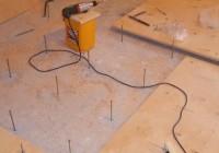 Укладка и выравнивание деревянного пола фанерой