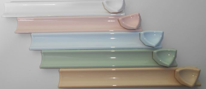Керамические плинтусы различных цветов