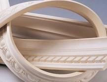 Потолочный плинтус из полиуретана